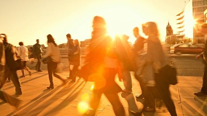 Intrum_Justitia_inkasso_foto_IJ_Stock_06_Walk_sunset-996386-edited.jpg