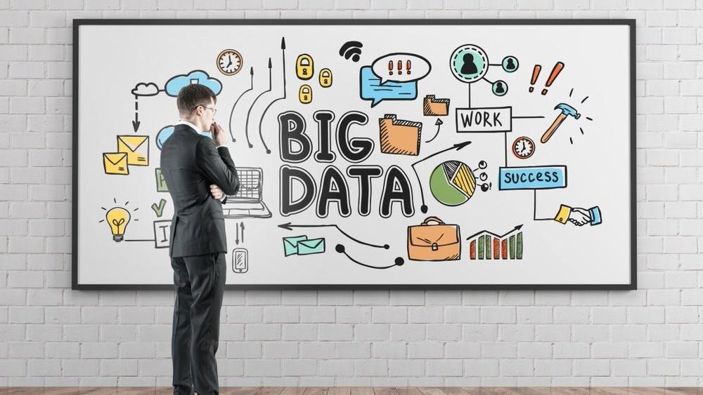 Intrum_Big-Data-vil-endre-måten-du-fatter-beslutninger-på_shutterstock_788874223-681823-edited